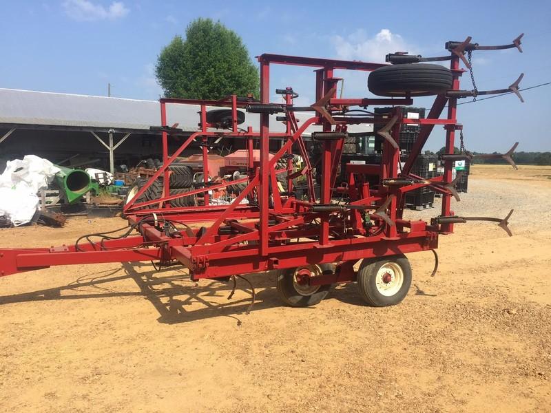Case IH 4500 Field Cultivator