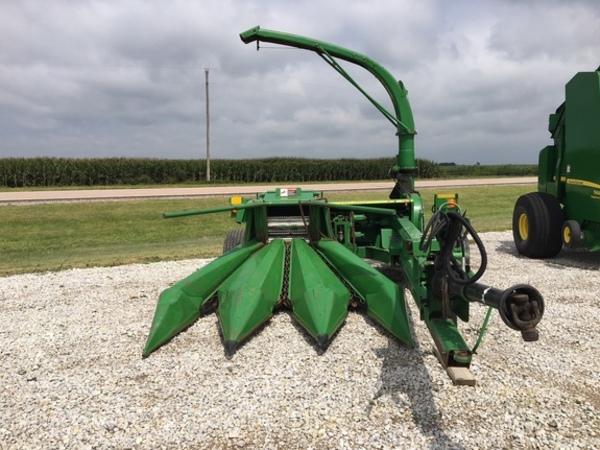 2011 John Deere 3975 Pull-Type Forage Harvester