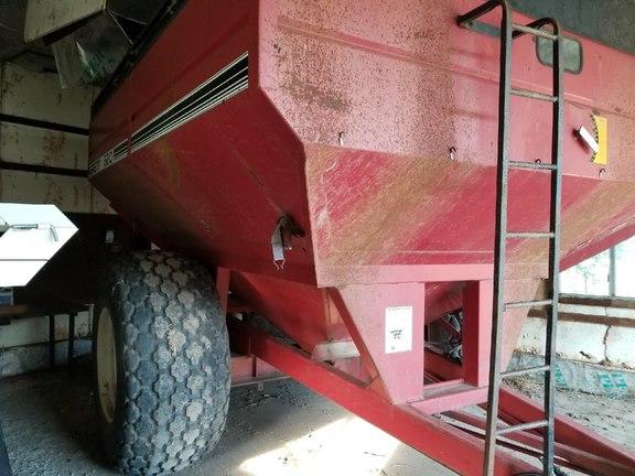 Brent 620 Grain Cart