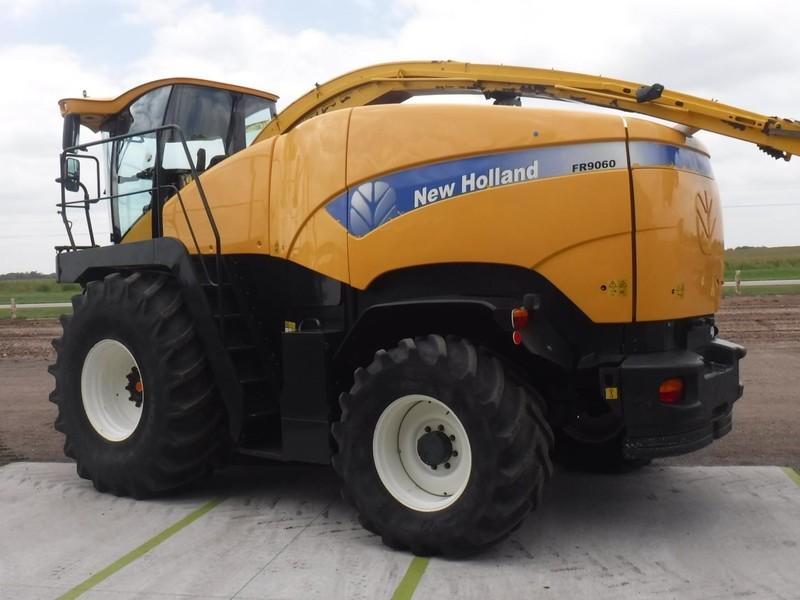 2008 New Holland FR9060 Self-Propelled Forage Harvester