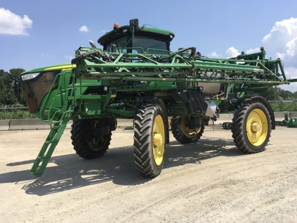 2014 John Deere R4038 Self-Propelled Sprayer