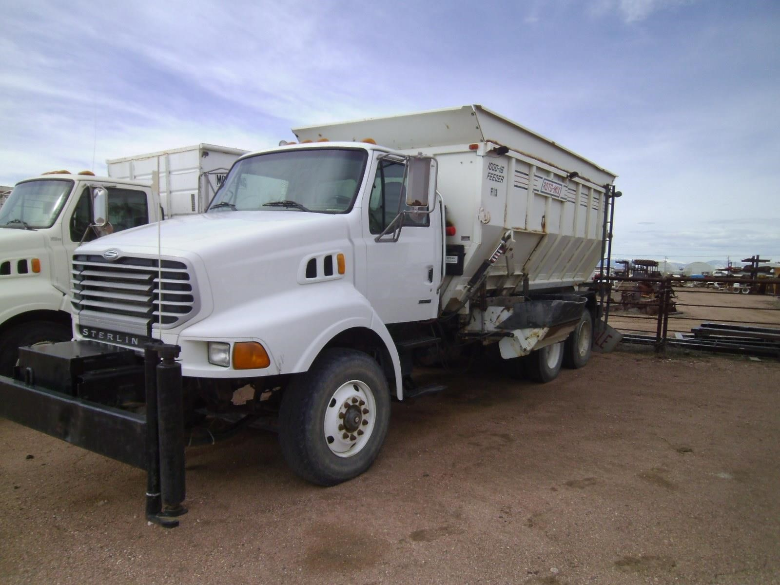 2004 Roto Mix 1000-16 Feed Wagon