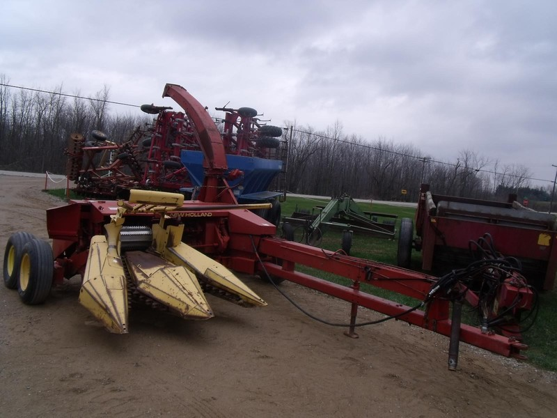 Used New Holland 900 Pull-Type Forage Harvesters for Sale