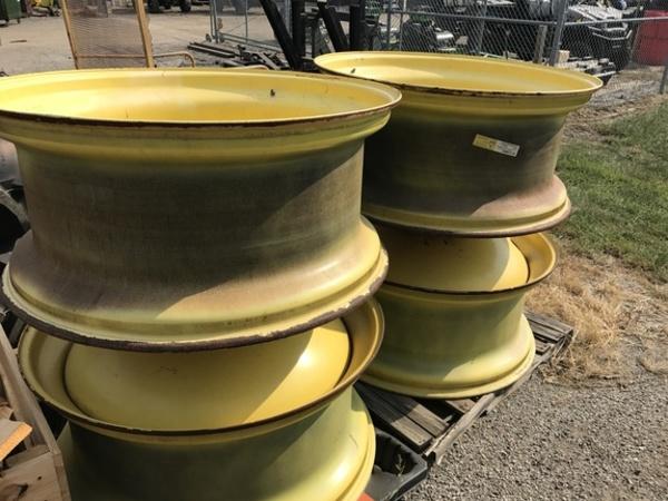 2014 John Deere 520/85R42 Wheels / Tires / Track