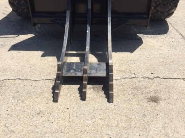 Other RG Loader and Skid Steer Attachment