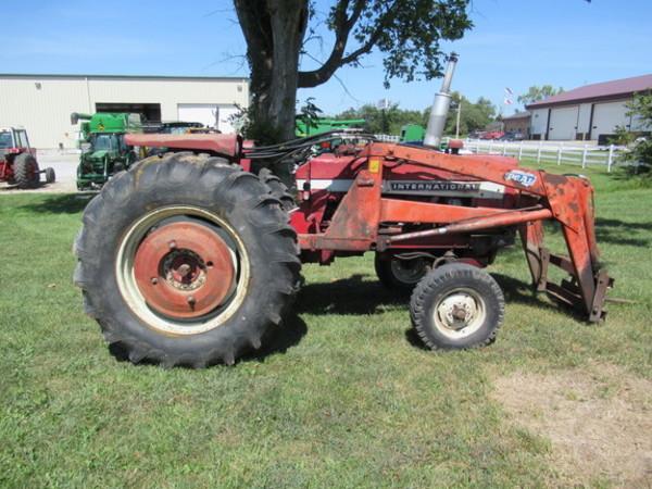 1972 International Harvester 656 Tractor