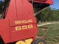2000 New Holland 658 Round Baler