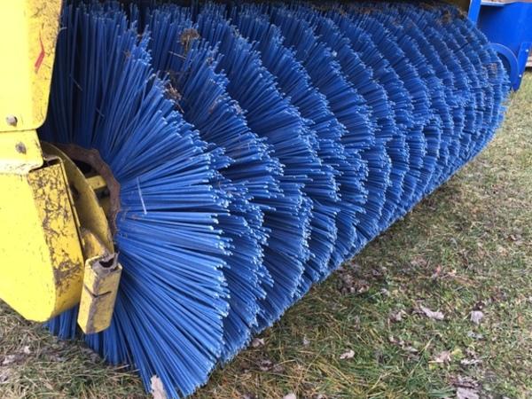 2011 John Deere 60HD Lawn and Garden