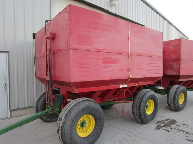 Unverferth 435 Gravity Wagon