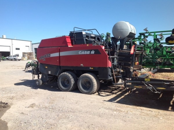 2005 Case IH LBX432 Big Square Baler