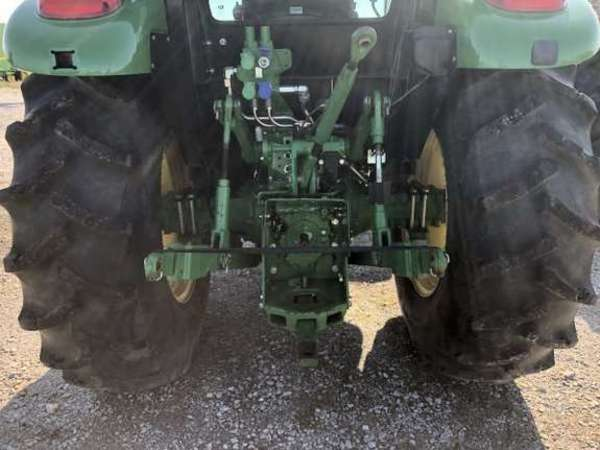 2013 John Deere 5100E Tractor