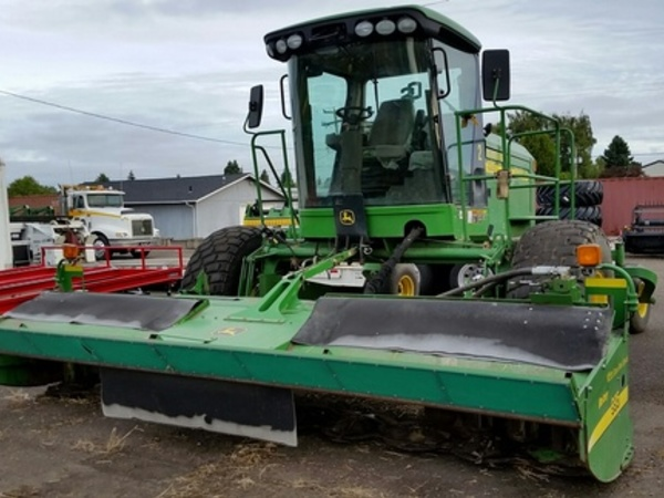 2009 John Deere 4995 Self-Propelled Windrowers and Swather