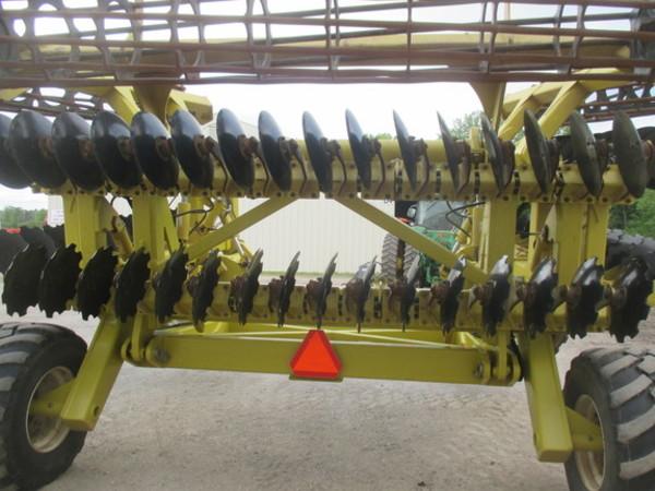 2015 Degelman 33 Cultivator