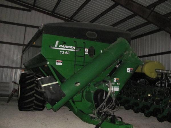 2009 Parker 1348 Grain Cart
