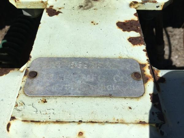2012 Kelley Manufacturing stripper 8R38 Strip-Till