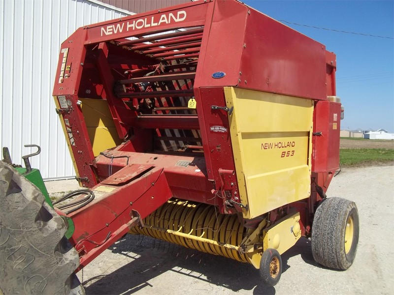 1989 New Holland 853 Round Baler