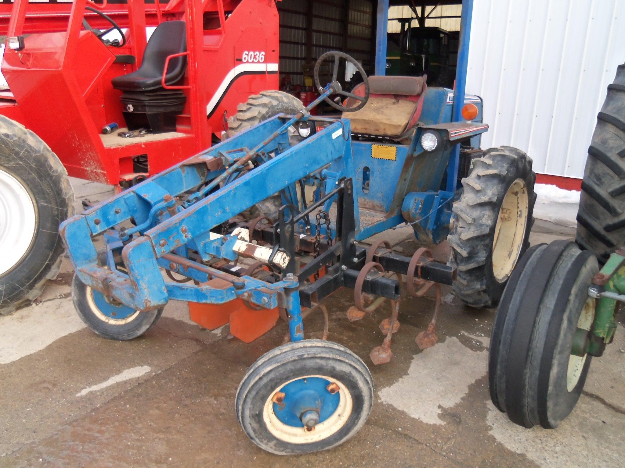 John Blue G1000 Tractor