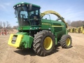 2003 John Deere 7500 Self-Propelled Forage Harvester