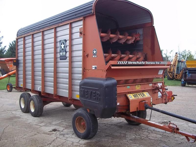 1999 Meyer 3516 Forage Wagon