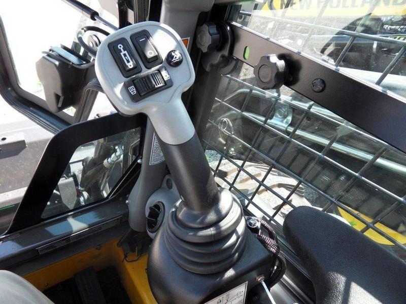 New Holland L218 Skid Steer