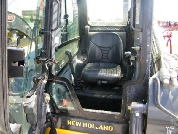 2015 New Holland L228 Skid Steer