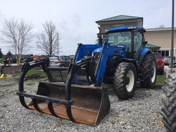 2006 New Holland TS125A Tractor
