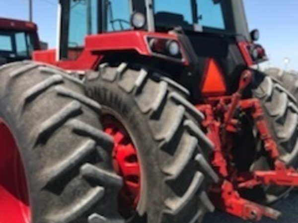 1980 International Harvester 1586 Tractor