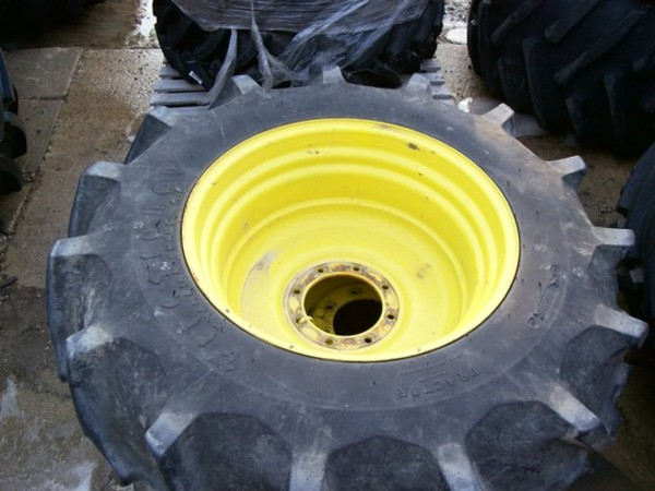 John Deere 18.4-30 Wheels & Tires Wheels / Tires / Track
