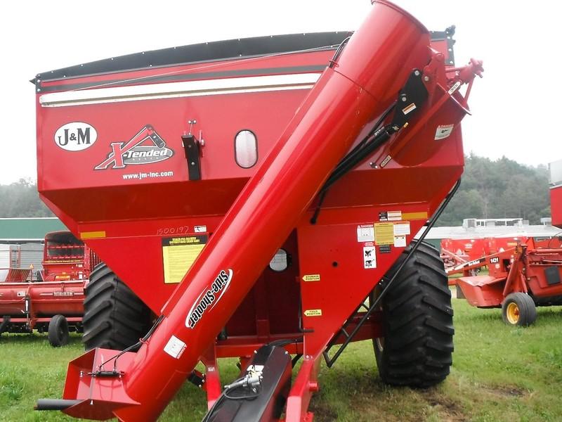 J&M 810 Grain Cart
