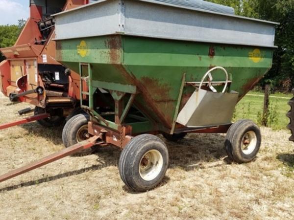 Deere 250 Gravity Wagon