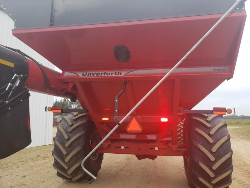 2018 Unverferth 1160 Grain Cart