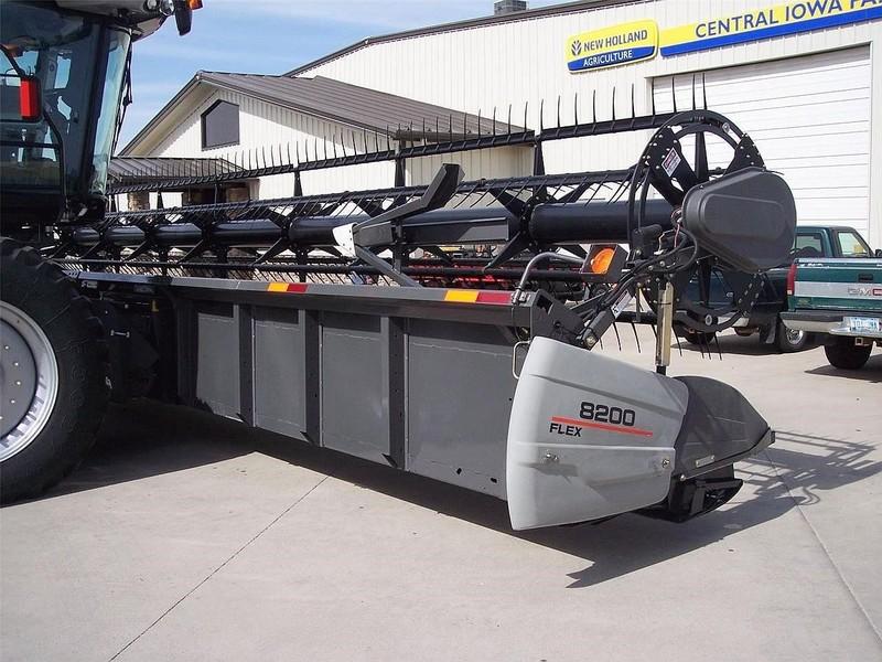 2007 Gleaner 8200-35 Platform