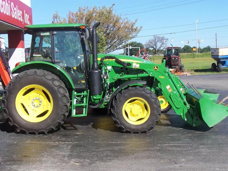 2015 John Deere 6120E Tractor