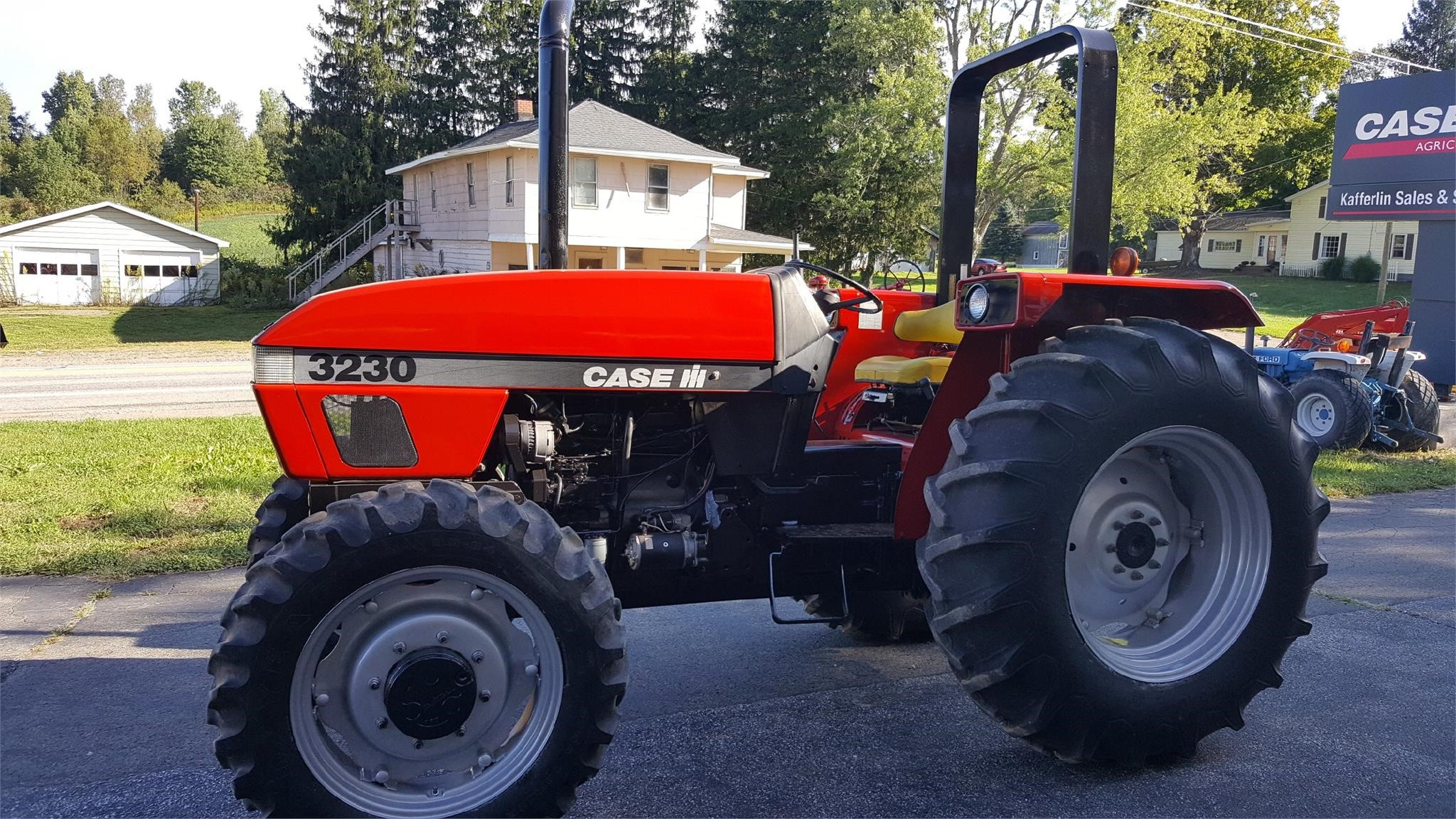 1997 Case IH 3230 Tractor