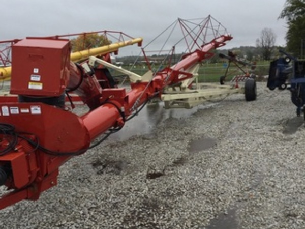 2016 Buhler Farm King 16104 Augers and Conveyor