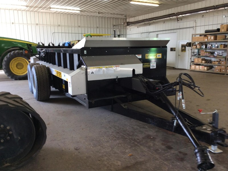 2017 Meyers 3600 Manure Spreader