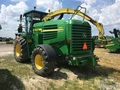 2009 John Deere 7450 Self-Propelled Forage Harvester