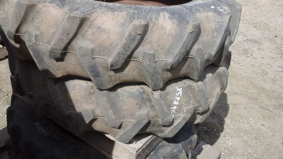 2012 Firestone 9.5-24 Wheels / Tires / Track