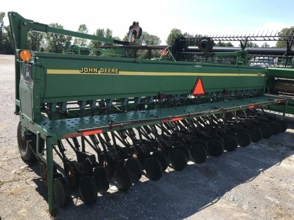 2001 John Deere 1520 Drill
