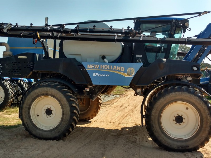 New Holland SP.240F XP Self-Propelled Sprayer