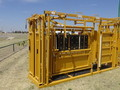 2018 Sioux Steel Squeeze Chute Cattle Equipment