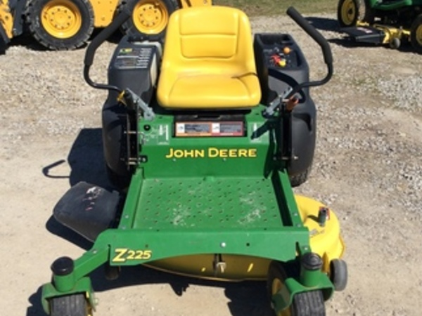 2008 John Deere Z225 Lawn and Garden