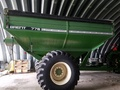 2001 Brent 776 Grain Cart