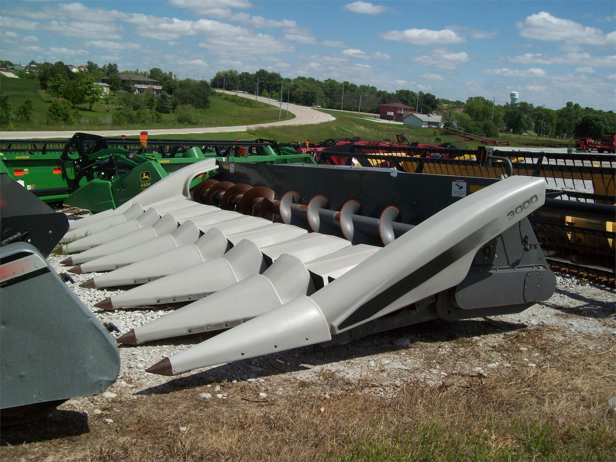 2007 Gleaner 3000 Corn Head