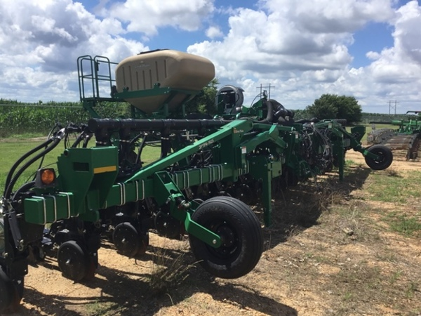 Great Plains 3PYPA-32TR30 Drill