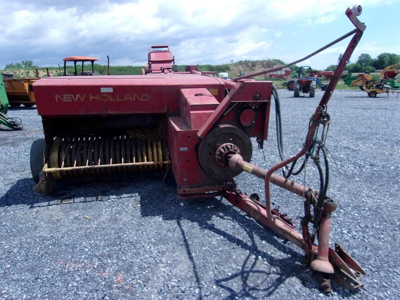Used New Holland 276 Small Square Balers for Sale | Machinery Pete