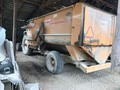 Kuhn Knight 3136 Grinders and Mixer