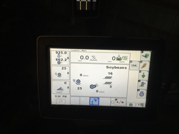 2014 John Deere S670 Combine