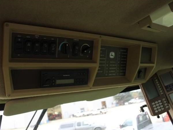 2004 John Deere 9560 STS Combine