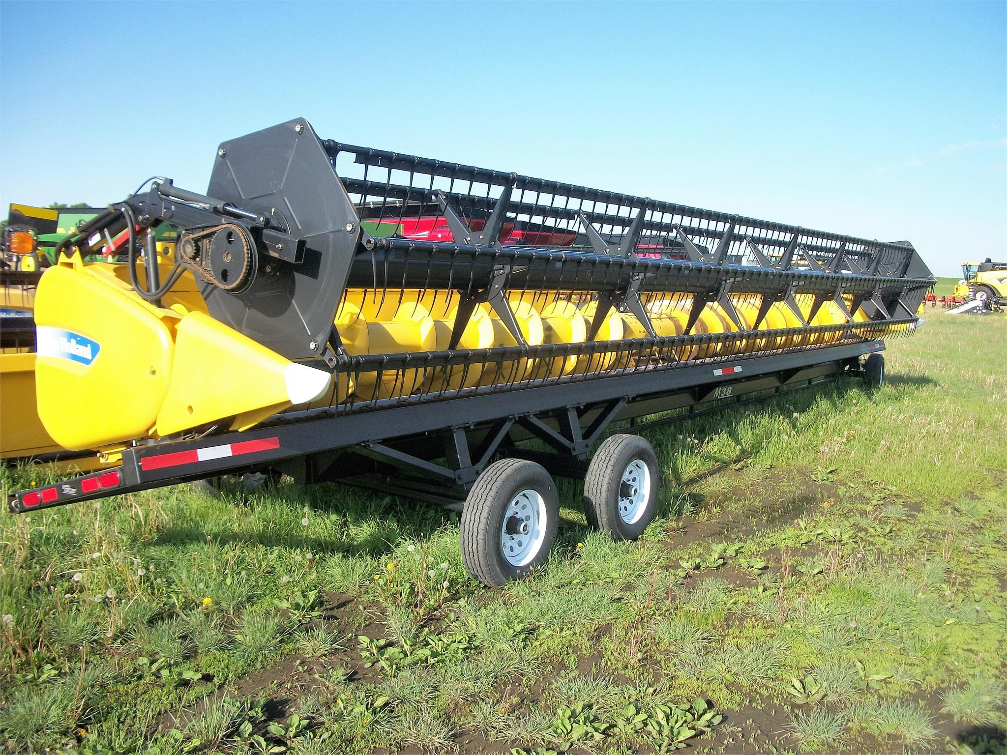 2011 New Holland 740CF-35 Platform
